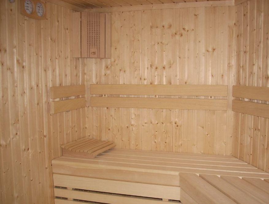 Wnętrze sauny - ilustracja do tekstu zalety sauny